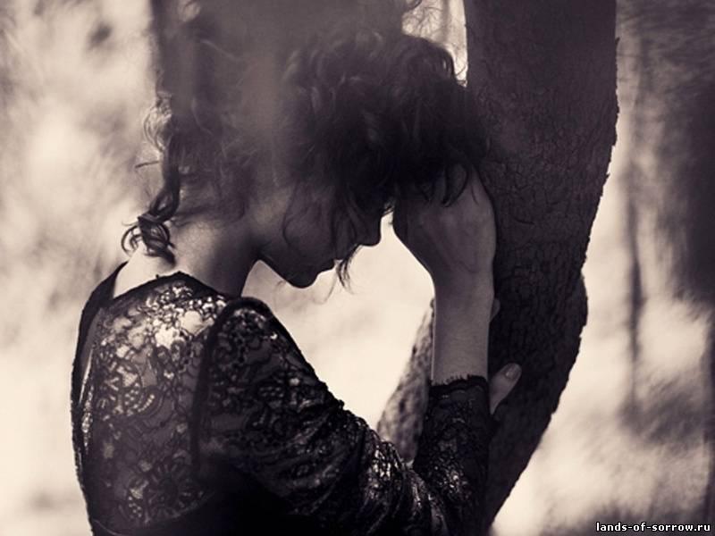 Фото брюнеток со спины на аву грустные